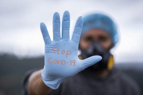 Lassen Sie Ihre Mitarbeiter kostenfrei zu Infektionsschutzhelfern ausbilden.